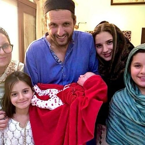 Shahid Afridi 5th daughter